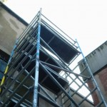 Mobile scaffold access tower